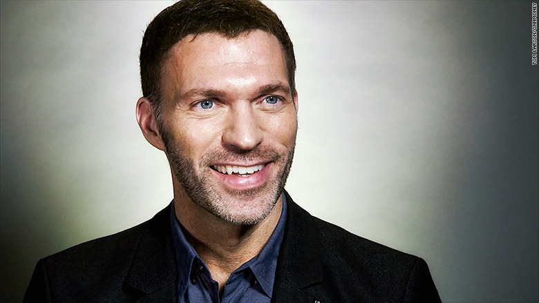 The Uncharted movie's sixth director is Bumblebee boss Travis Knight