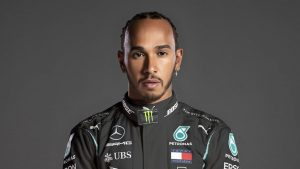 f1-racer-lewis-hamiltion-is-a-playstation-gamer-and-travels-with-his-ps5-everywhere-he-goes