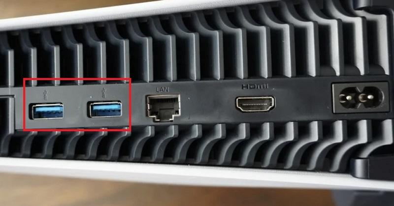 PS5 USB ports 1